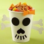 Mancare de Halloween dulciuri si bomboane in pahare tematice
