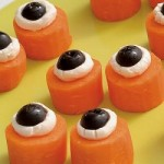 Mancare de Halloween - Aperitive ochi din morcovi si masline