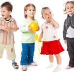 Dezvoltarea abilităţilor sociale reduce factorii de risc asociaţi cu performanţele şcolare scăzute şi asigură sănătatea emoţională a persoanei.