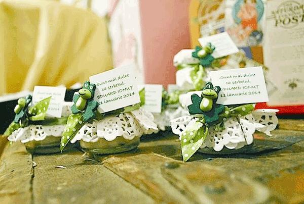 Marturii de nunta ieftine confectionate manual Miere si Flori