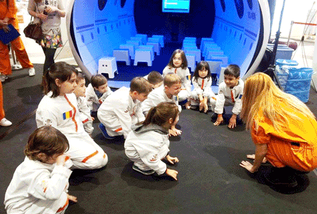 Copiii cuceresc Spatiul si invata despre astronomie si Univers