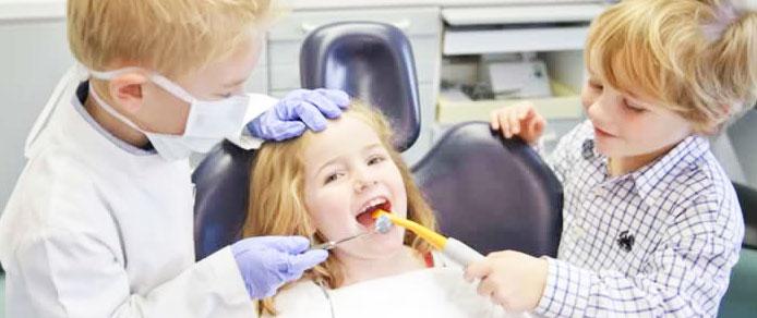 10 idei si sfaturi vs Teama copilului de medicul stomatolog!
